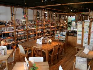 港南台タウンカフェの店内写真